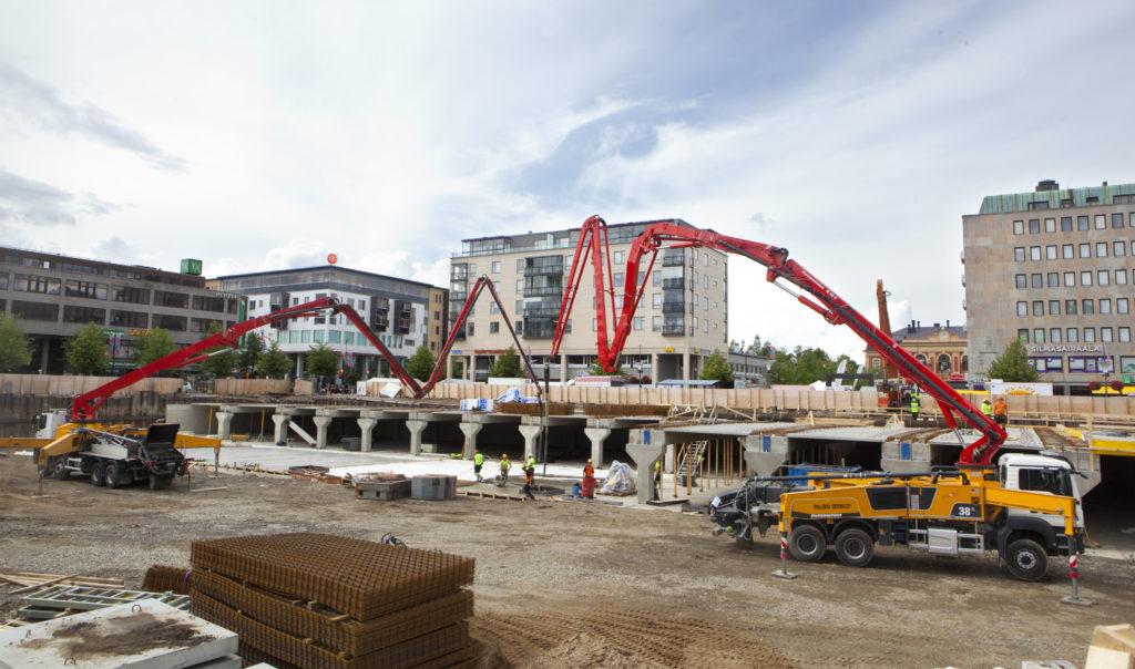 PKO:n rakennuttama Joensuun toriparkki valmistui lokakuussa 2018. Lähes 400 autopaikan lisäksi toriparkkiin rakennettiin myös väestönsuojat